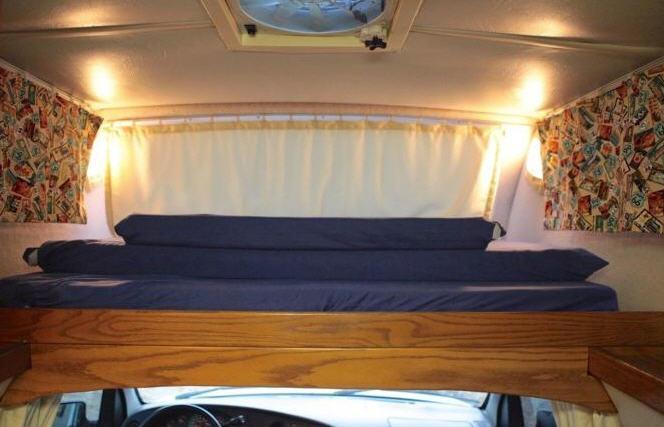 1999 Airstream Chevrolet B 190 Interior