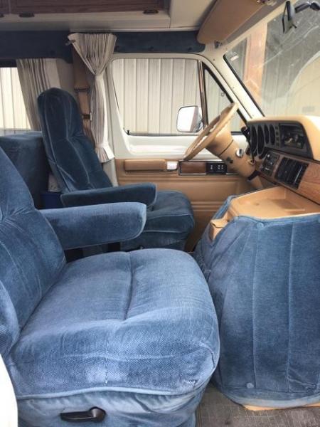 Front rotating seats
