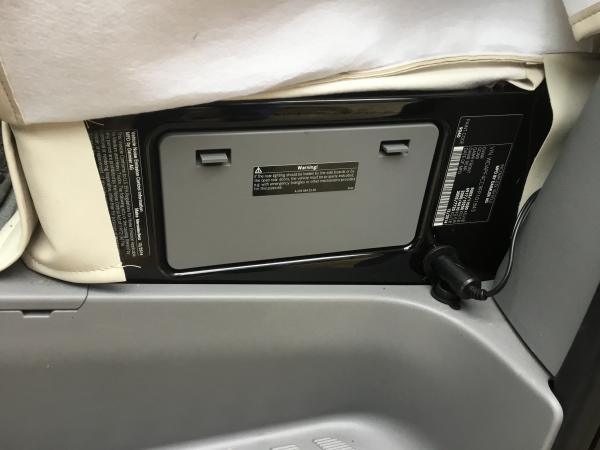 Added 12v plug in driver seat base for Alpicool